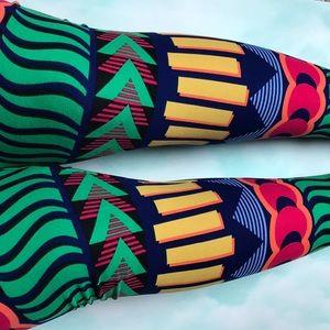 LuLaRoe Pants - LuLaRoe OS Leggings.